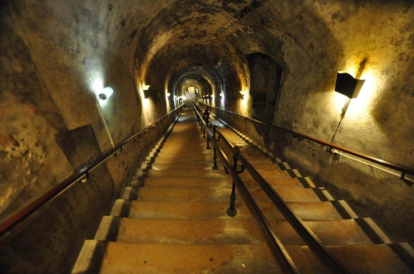 Escalier des caves Vranken Pommery
