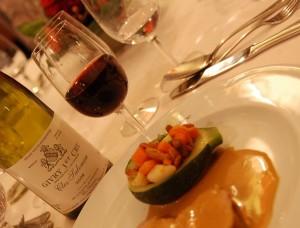 Mignons de veau, sauce au chaource, légumes farcis, Givry premier cru du Clos Salomon