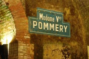 Plaque Veuve Pommery dans caves Vranken Pommery à Reims en Champagne