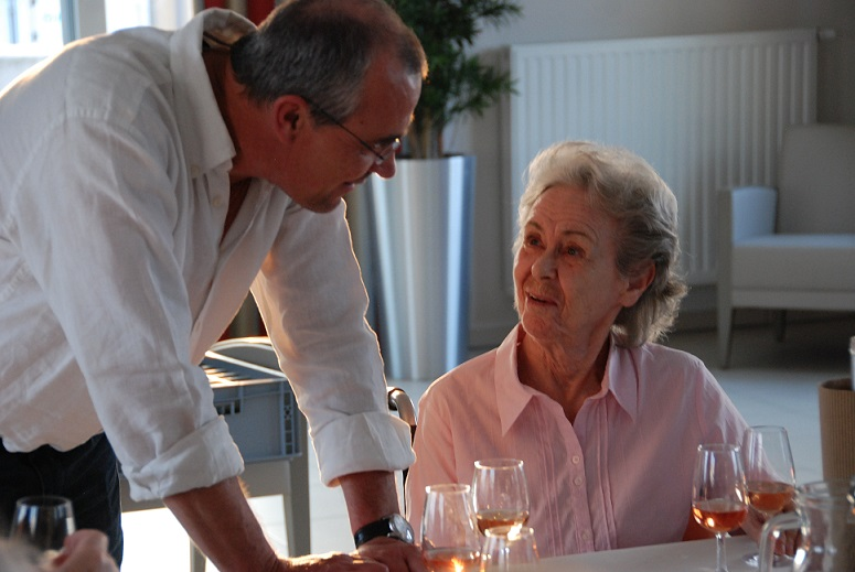 """Dégustation de vin - Maison de Repos """"Les Terrasses des Hauts Prés"""""""