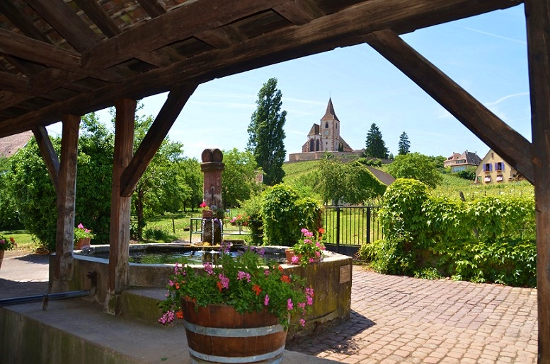 Hunawihr - Fontaine et église
